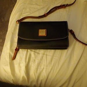 Pebble Grain Clutch wallet